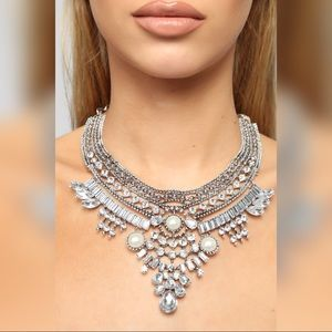 New with tags Bella statement necklace